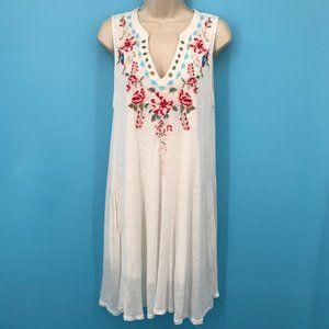 Andree By Unit Embroidered White Sleeveless Dress